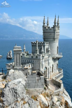 "Neo-Gothic Castle ""Swallow's Nest"" - The symbol of the south coast of Crimea"