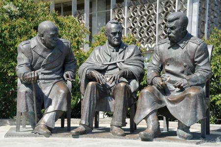 "Monument to the Leaders of the ""Big Three\"" in Livadia"