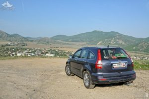 Honda CR-V at Vesyoloye Village and Crimean Mountains
